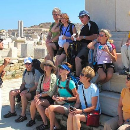 What Makes A Good Tour Guide?