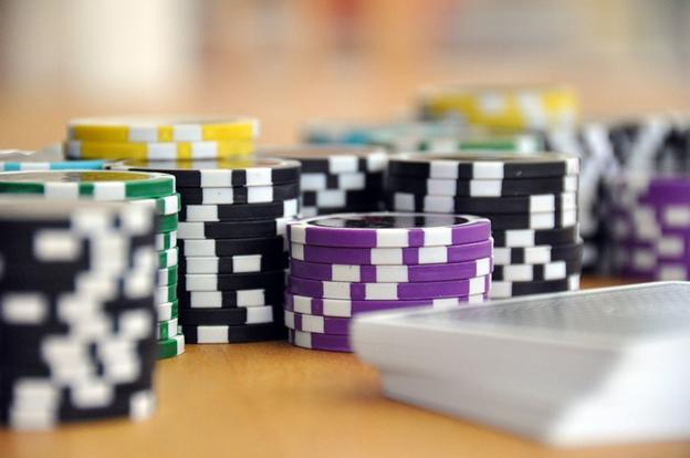 Between Poker